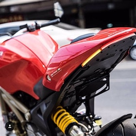 Nye Rage Cycles, skreddersydd med bremselys og blinklys, Ducati Monster 1100