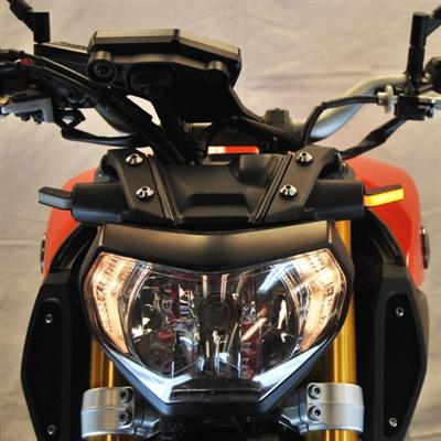 New Rage Cycles, LED-blinkers fram, Yamaha MT09