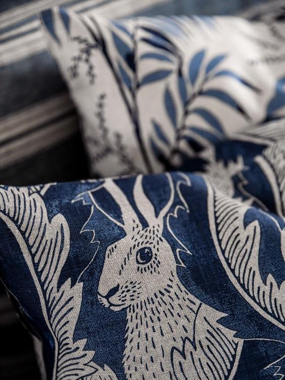 Kudde Hares in hiding Blå