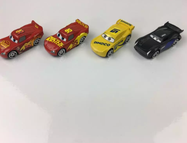 4-Pack Disney Pixar Cars Bilar 2 3 Toy Car Lightning McQueen No. 95 Mater Jackson Storm 1:64 PVC Pojkar Actionfigur Present