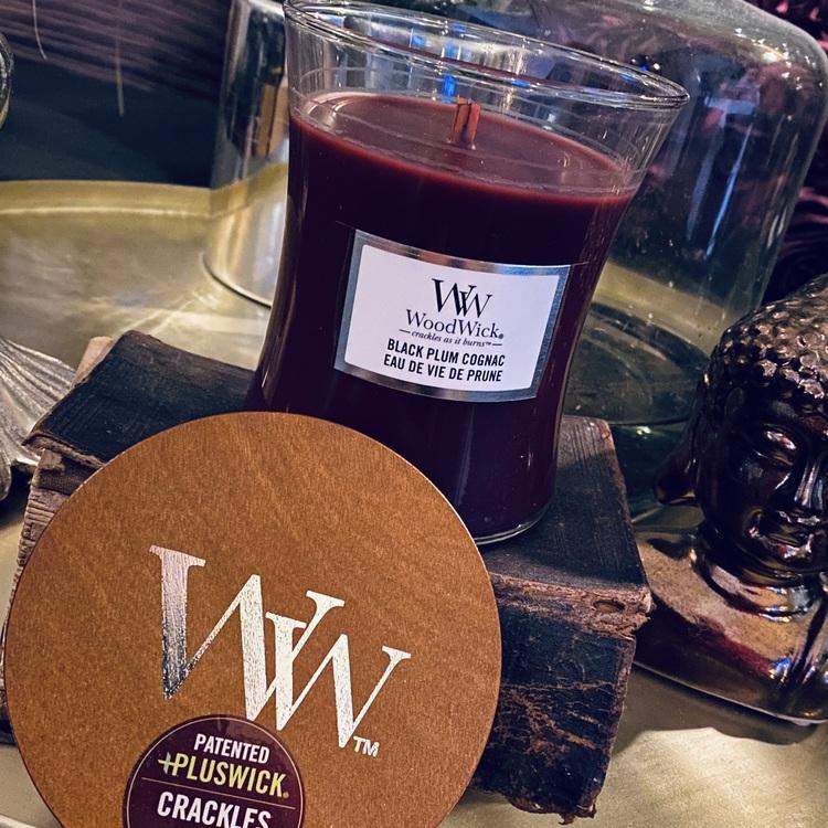 WoodWick - Black Plum Cognac