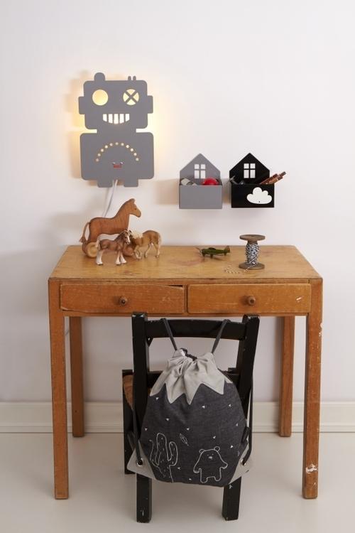 Roommate - House box