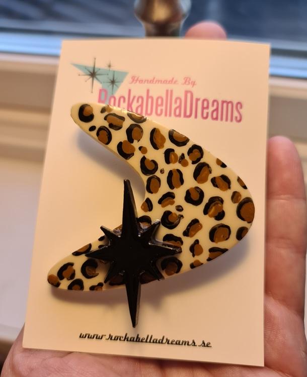 Brosch Boomerang Leopard