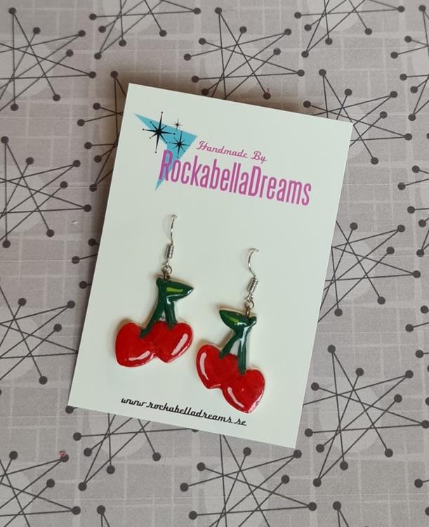 """Örhängen """"Cherry's """" 2 modeller"""