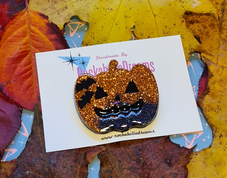 "Brosch ""Halloween pumpa "" med fladdermöss"