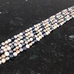 Mixade färger blå-vit-natur pärlor 8-9 x 9x10 mm