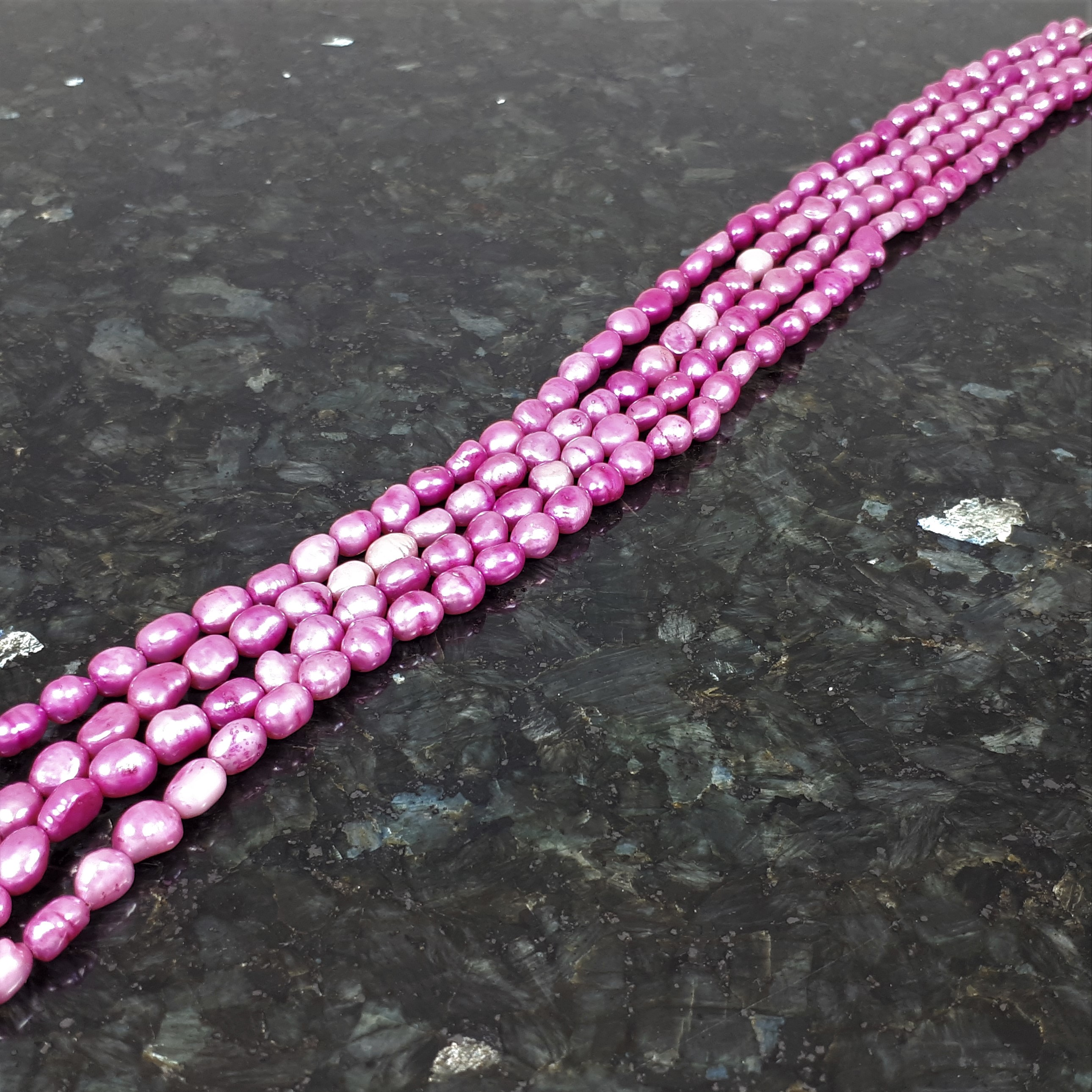 Cerisefärgade pärlor  7-8 mm