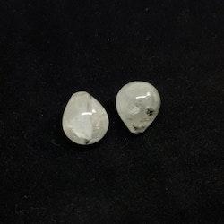 Rutil kvarts, droppformad, 13x15,5 mm