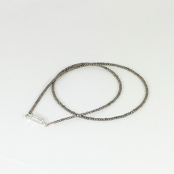 Halsband med pyritsten