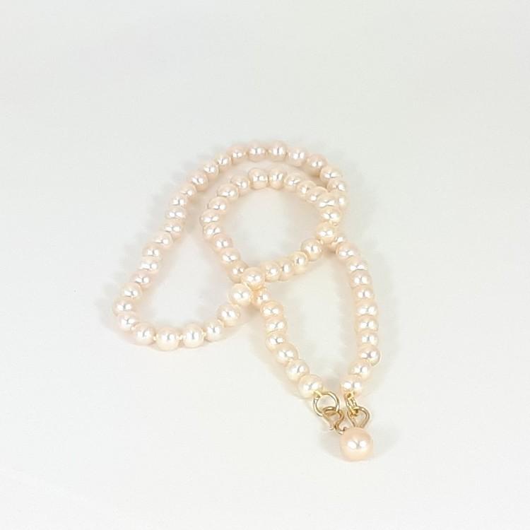 Rosa-guldfärgad pärlhalsband
