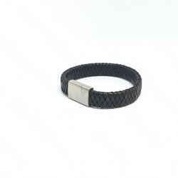 Flätat svart läderarmband