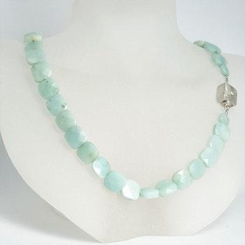 Halsband med amazonitsten