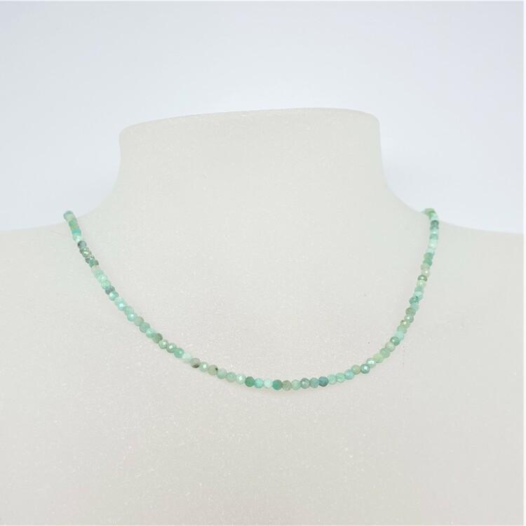 Halsband med 3 mm fasettslipad krysopras