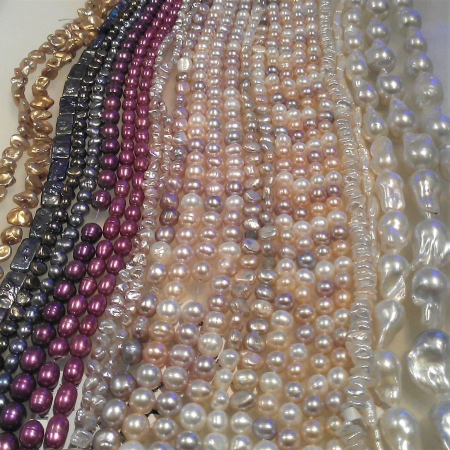 Pirum pearls & gems