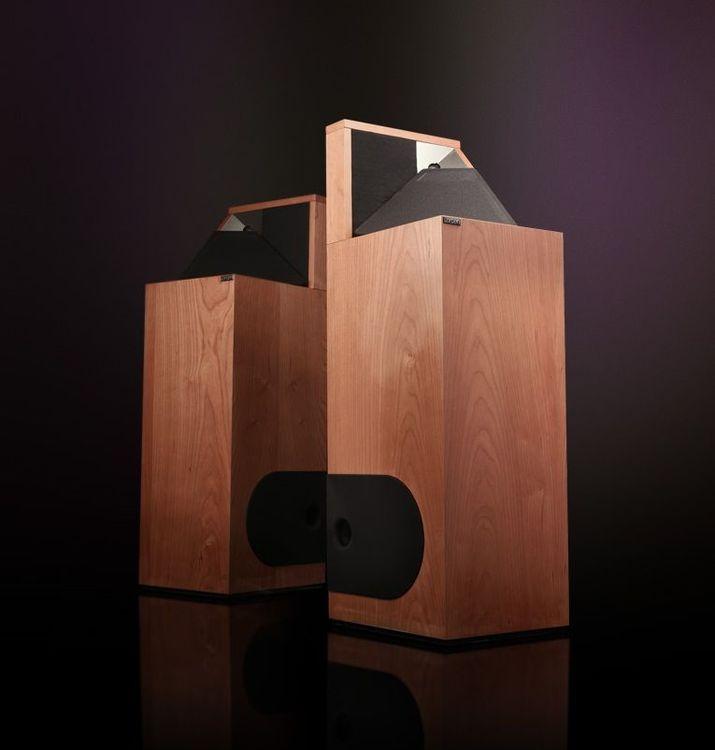 Larsen 8.2 Golvhögtalare högtalare med utmärkelser i Editors choice