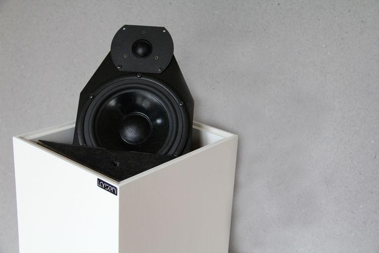 Larsen 4.2 golvhögtalare Vita högtalare bas ljud