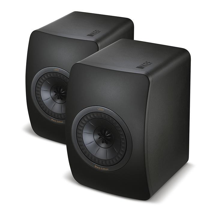 KEF LS50 är ett innovativt koncept inspirerat av den legendariska KEF LS3/5a. Monitormodellen LS50 är utvecklad för att vara en professionell studiomonitor för hemmet. Sin ringa storlek till trots lev