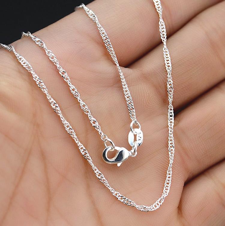 Halsband med Dalahäst, Silver