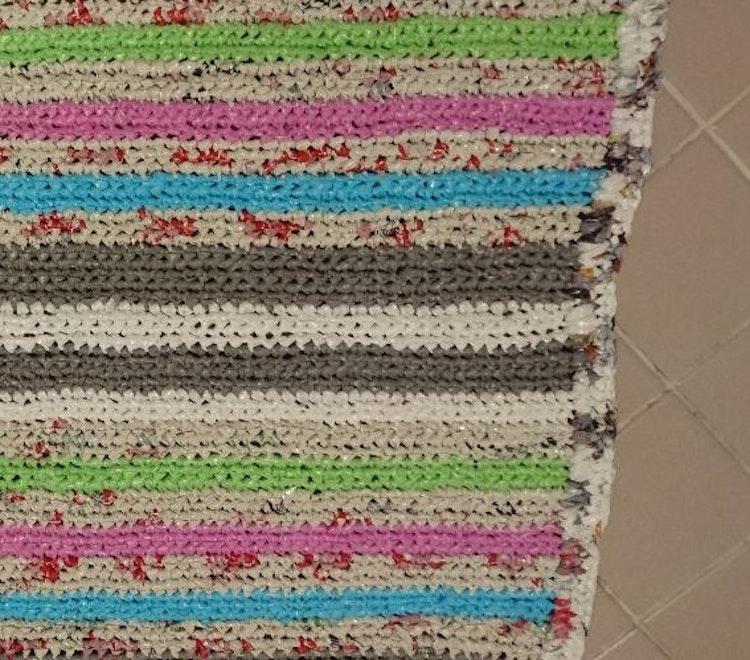 Handgjord plastmatta, återvunnen plast, turkos