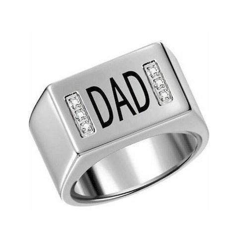 """Ring till pappa """"DAD"""", silverfärgad"""