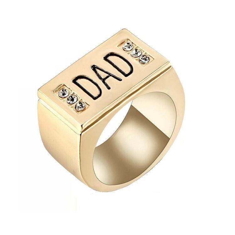 """Ring till pappa """"DAD"""", guldfärg"""