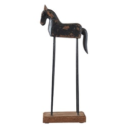 Trähäst på stativ