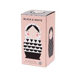 Rysk docka svartvit
