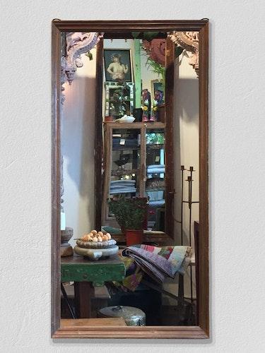 Stor spegel med träram