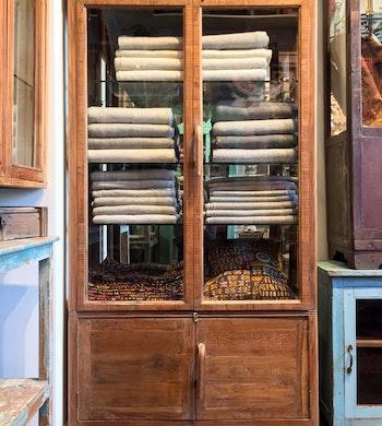 Art Deco skåp med glashyllor