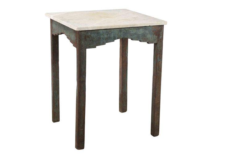 Träbord med bordskiva i marmor