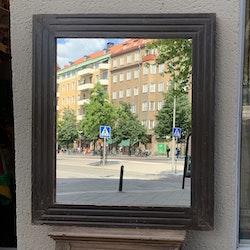 Spegel med teakwood ram