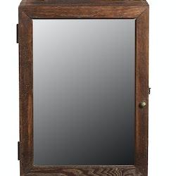 Väggskåp i trä med spegeldörr
