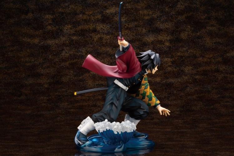 Demon Slayer: Kimetsu no Yaiba Giyu Tomioka Bonus Edition