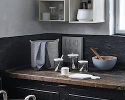 Keramikburk med naturfärgad trälock