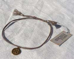 Armband (brunbeige med fyrklöver) från Jewel Rocks