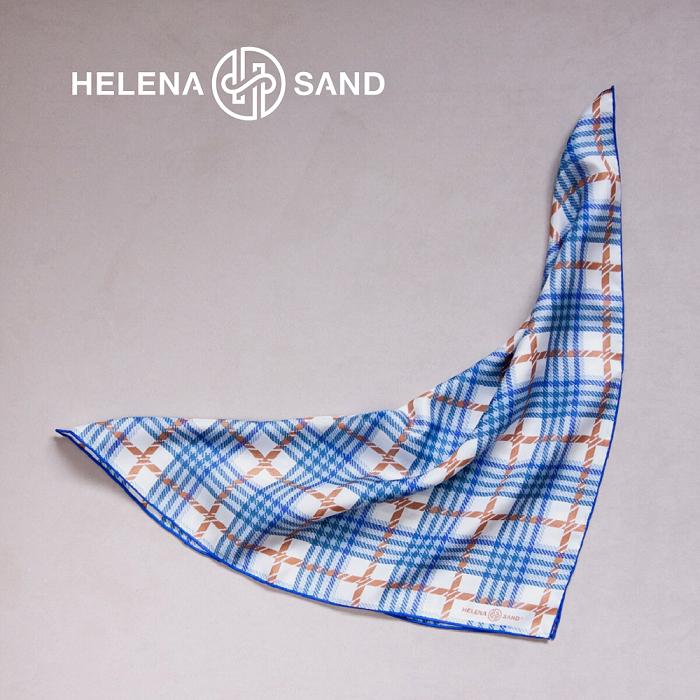 Rutig power scarf i silke från HELENA SAND