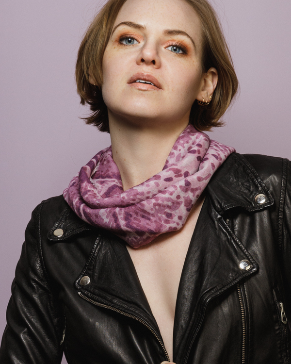 Scarf in light and high quality wool from HELENA SAND - Warm violet & muted pink colors