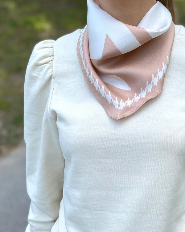 HELENA SAND Mega dogtooth DIAMOND scarf i unik diamant form & 100% siden