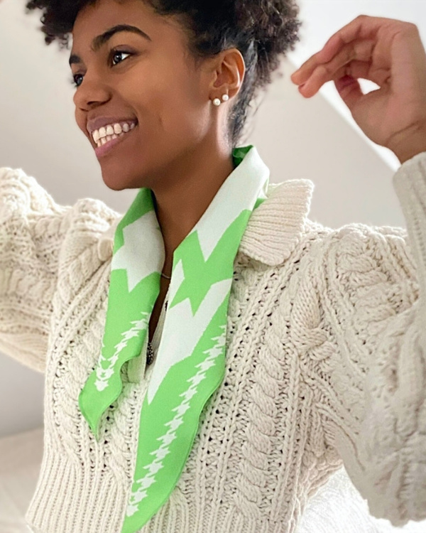 HELENA SAND Diamond shaped scarf  100% silk 100% light 100% attitude in Paradise green