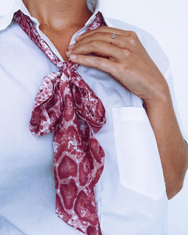 HELENA SAND Soft snake bite scarf VIOLET PINK scarf
