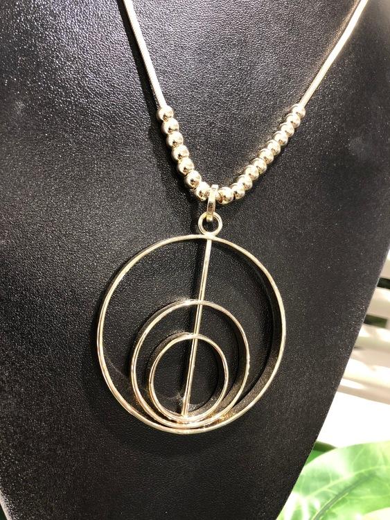 Luna Halsband