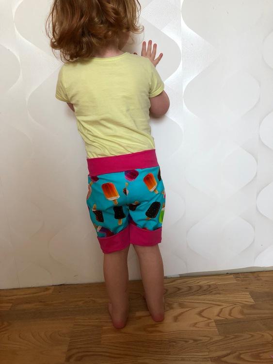 Wazzup shorts storlek 80-164