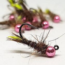 Husmask brun med rosa skalle.