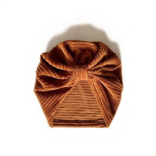 Turban -  Karamell velour med manchesterlook