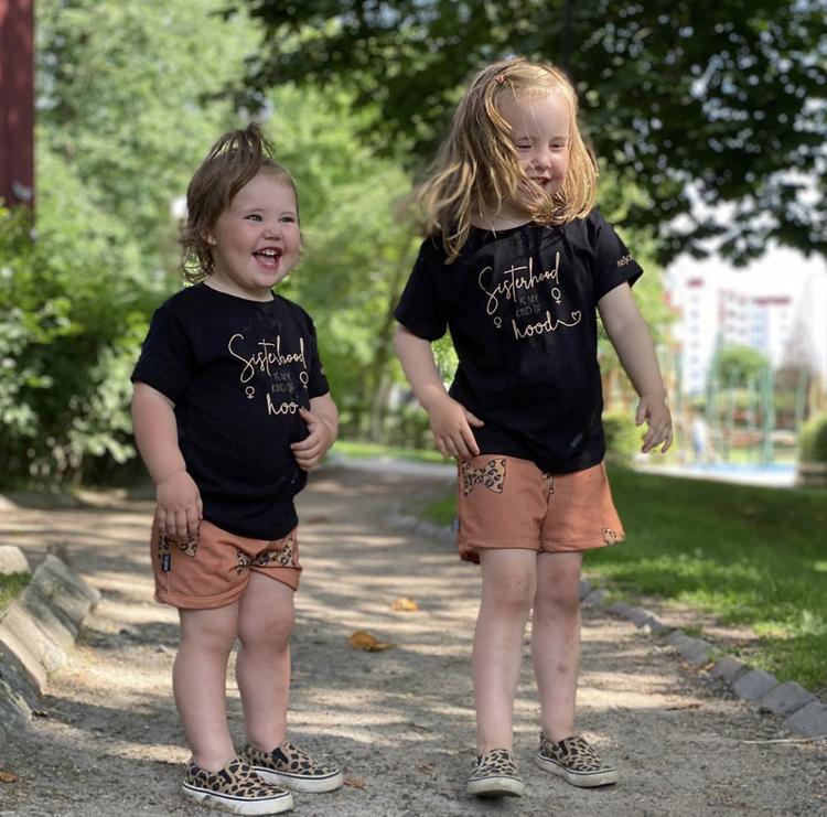 "T-shirt ""Sisterhood"" - barn"