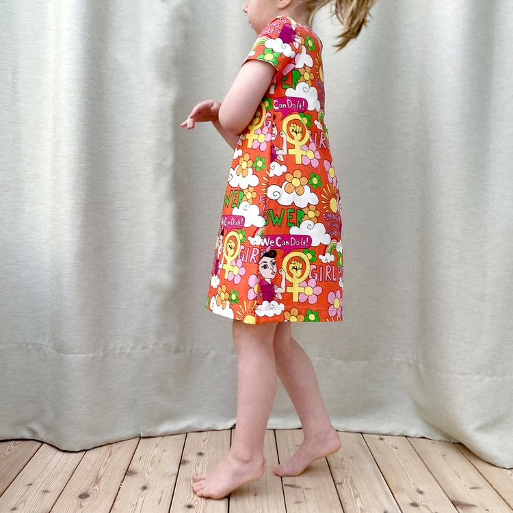 A-linjeklänning - Girl Power