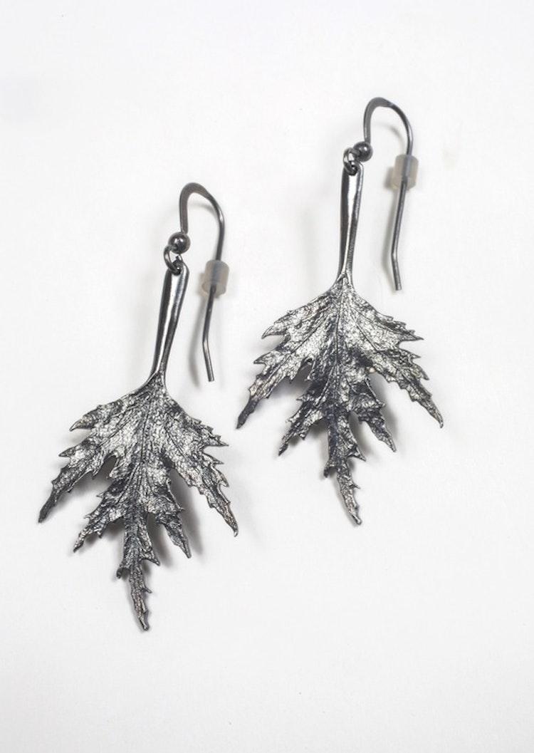 Örhängen Mellan oxiderat silver