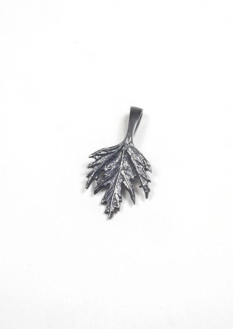 Ornässmycket Musöra oxiderat silver