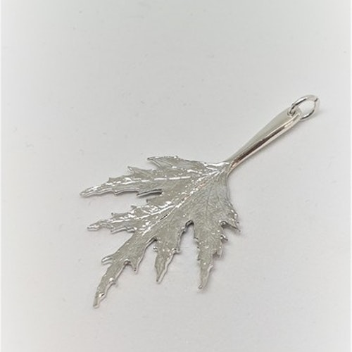 Ornässmycket Mellan silver