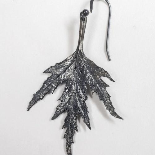 Ornässmycket örhängen oxiderat silver